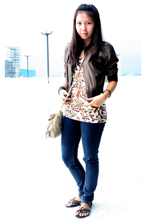 divisoria top - Jag pants - thrifted purse - People are People shoes - thrifted
