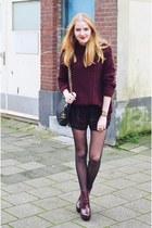 Zara boots - Chanel bag - Zara shorts - Primark jumper - Primark bracelet