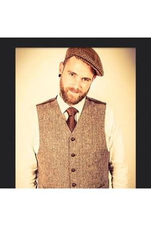 brown wool vintage hat - cotton H&M shirt - white wool vintage vest