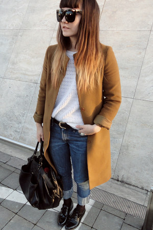 orange Secondhand coat - blue Levis jeans