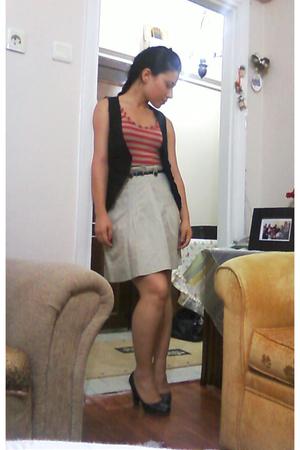 Mango skirt - Mango vest - Mango top - Mango shoes