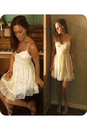 white white lace Urban Outfitters dress - bronze Urban Outfitters heels