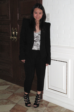Zara blazer - Zara top - Giordano Ladies pants - gojanecom shoes