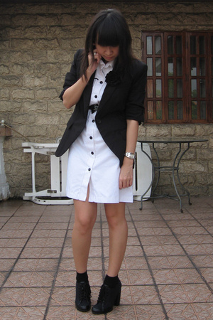 Bazaar dress - Zara blazer - Nine West shoes - mimi belt