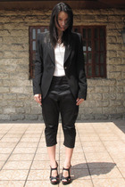 Zara blazer - t-shirt - Giordano Concepts pants - Forever21 shoes