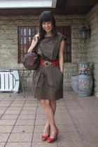 Sisley purse - belt - shoes - dress