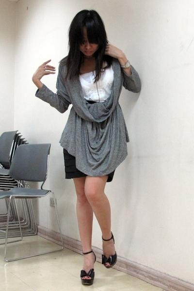 Giordano Ladies top - Plains & Prints top - Soho skirt - JLo shoes