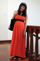 orange Space dress - black purse - black shoes