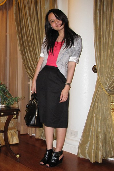 blazer - maldita t-shirt - Mango skirt - Louis Vuitton purse - CLN shoes