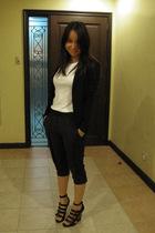 Giordano Ladies blazer - Uniqlo t-shirt - Giordano Ladies pants - Forever21 shoe