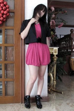 Giordano Ladies blazer - vintage shorts - Zara belt - boots