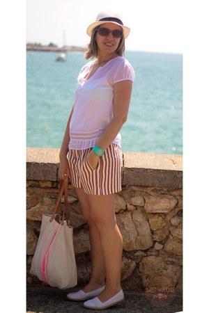 ivory drbloom bag - ruby red Zara shorts - white eseoese blouse
