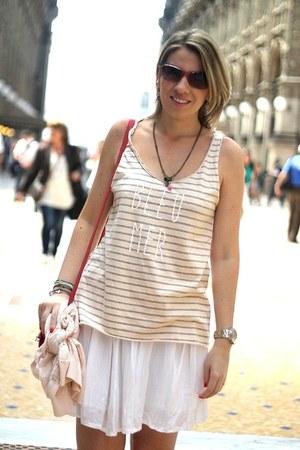 white brandy melville skirt - peach eseoese shirt