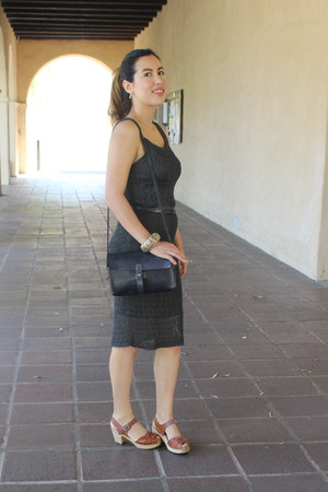 gold Ruche earrings - gray crochet dress - black leather madewell bag
