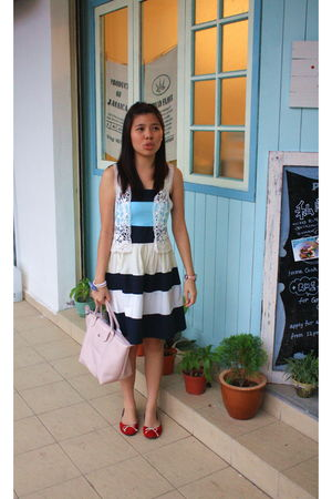 blue soul chic dress - red URS shoes - pink longchamp bag - white RANDOM BAND ve