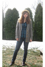 Gray-forever-21-sweater-blue-forever-21-shirt-blue-levis-jeans-brown-pinea