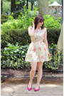 Eggshell-floral-modcloth-dress-hot-pink-thrifted-pumps