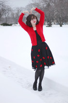 black patterned Simply Vera by Vera Wang tights - black lip print eShakti skirt