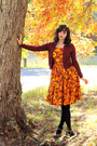 Light-orange-sunflower-print-modcloth-dress-black-target-tights