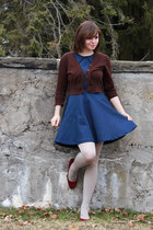 dark brown cropped Take out sweater - navy coincidence & chance dress