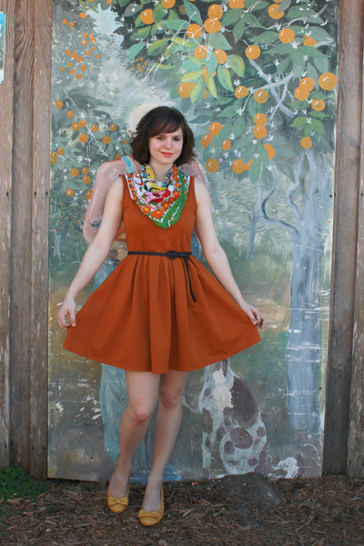 green vintage florida scarf - burnt orange Dear Creatures dress