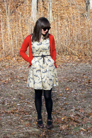 beige dinosaur print Folter Clothing dress - black fleece-lined Apt 9 tights