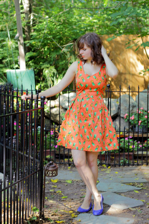 light orange pineapple print modcloth dress - brown cat eye asos sunglasses