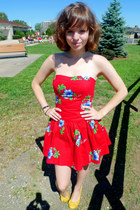 red hawaiian print hollister dress - mustard Payless wedges