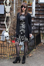 Black-steve-madden-boots-black-hot-topic-dress