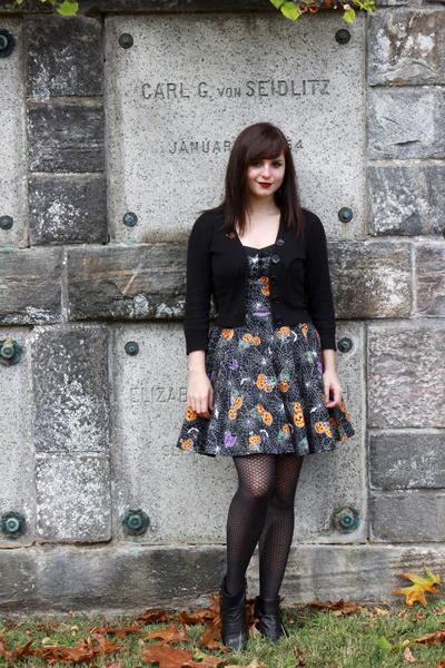 black bare traps boots - black halloween print hell bunny dress