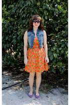 orange pineapple print modcloth dress - black sunglasses