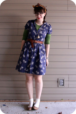 blue bicycle print Anthropologie dress - beige studded xhilaration shoes