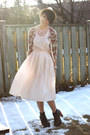 Light-pink-moms-old-dress-vintage-dress-tan-straw-fedora-spring-hat-salmon-f