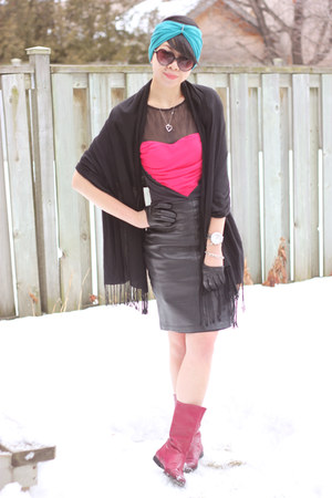 hot pink leather boots thrifted vintage boots - hot pink L&B dress - black pashm