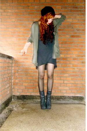 dark gray dragon tattoo H&amp;M boots - charcoal gray dress