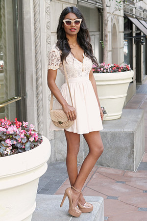 eggshell lace Missguided dress