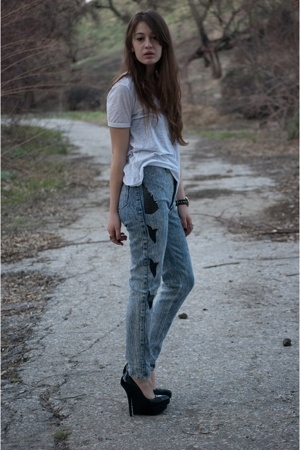 Alexander Wang t-shirt - vintage jeans - Bebe shoes