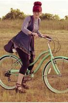 floral Forever21 vest - Cute-Vintage dress - cropped Aerie leggings