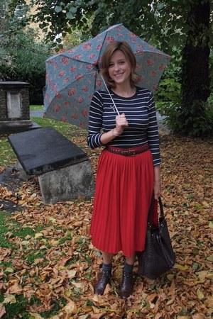MaxMara bag - Kate Kanzier boots - Urban Outfitters skirt - vintage Gap belt