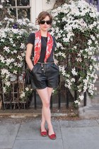 vintage scarf - leather vintage Rokit shorts - Chanel sunglasses - H&M t-shirt -
