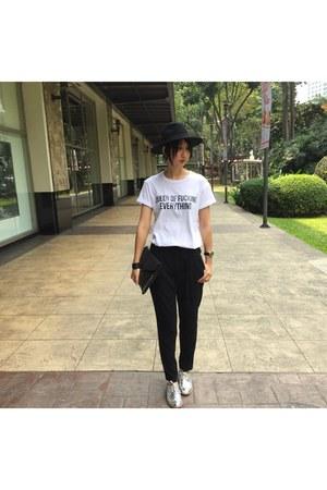 H&M hat - Para Donne shoes - Mango pants