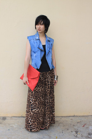 from hong kong skirt - from Seoul bag - from Seoul vest