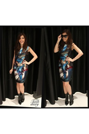 Mary Katrantzou dress - alaia boots