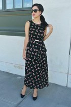 floral thrifted vintage dress - Ray Ban sunglasses - black Zara pumps