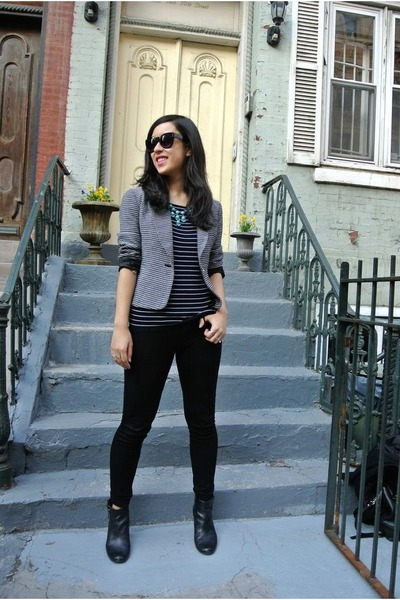 black thrifted boots - cynthia rowley blazer - black Forever 21 sunglasses