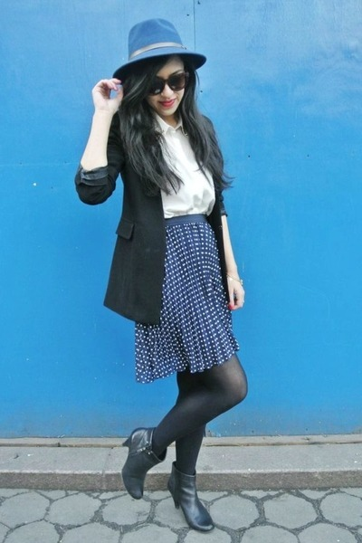 black Forever 21 blazer - black thrifted boots - navy Roxy hat