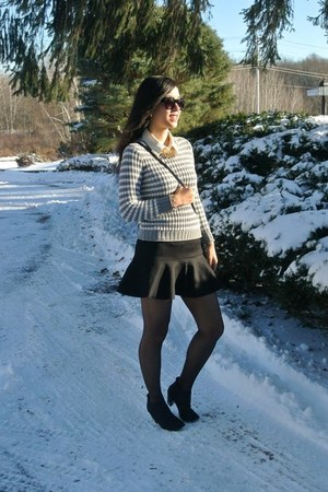 thrifted sweater - black bag - black Forever 21 sunglasses - black H&M skirt