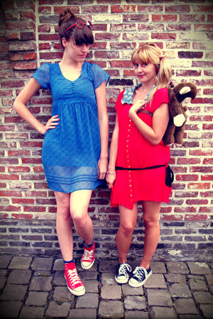 black Converse shoes - red Converse shoes - sky blue H&amp;M dress