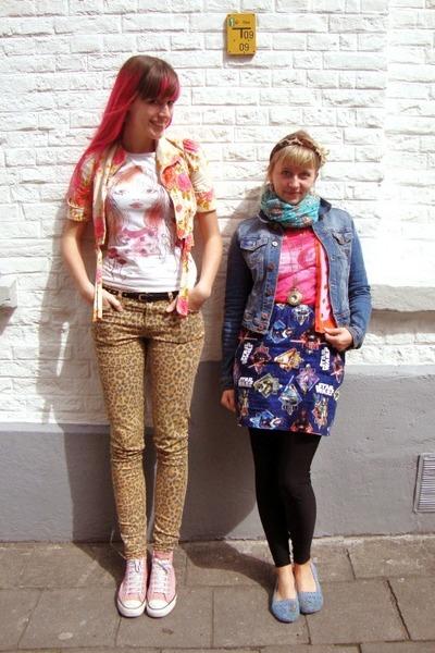 mustard leopard H&M jeans - bubble gum roses vintage jacket