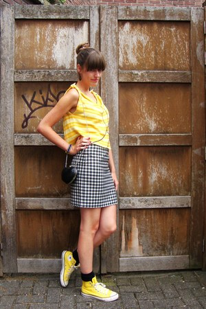 black heartshaped new look bag - yellow Converse shoes - black H&amp;M socks